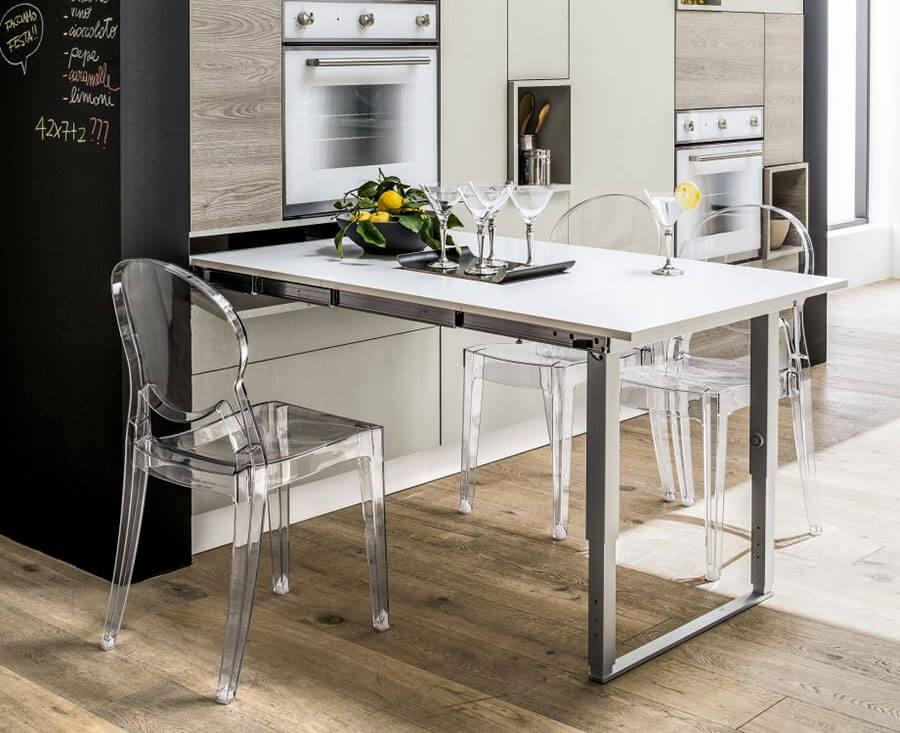 выдвижной встроенный стол на кухне