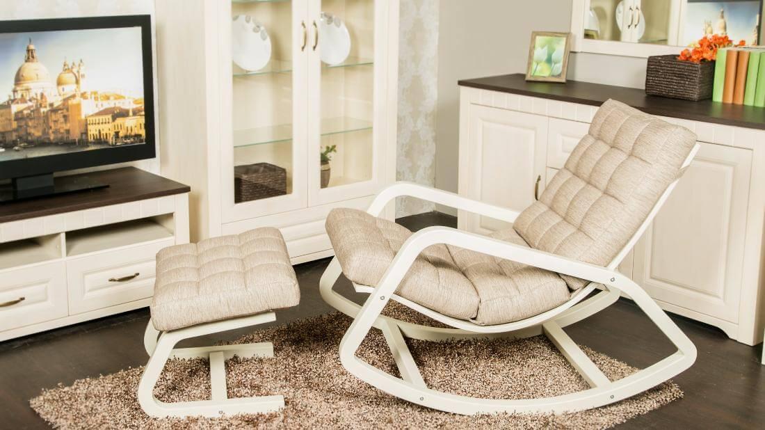 Фото кресла качалки с подставкой для ног