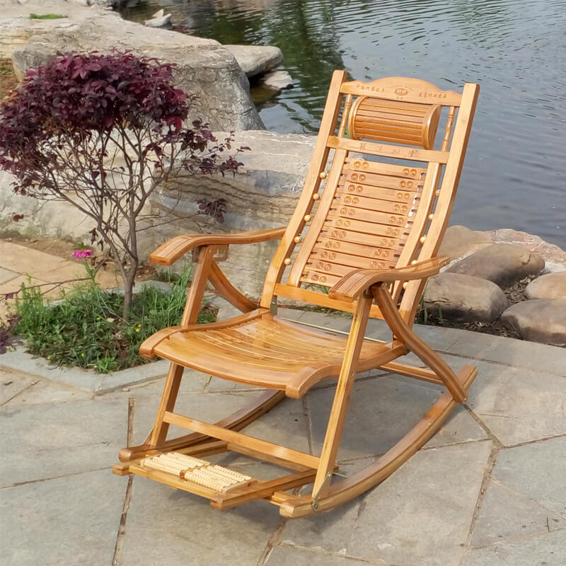 Кресло качалка в саду