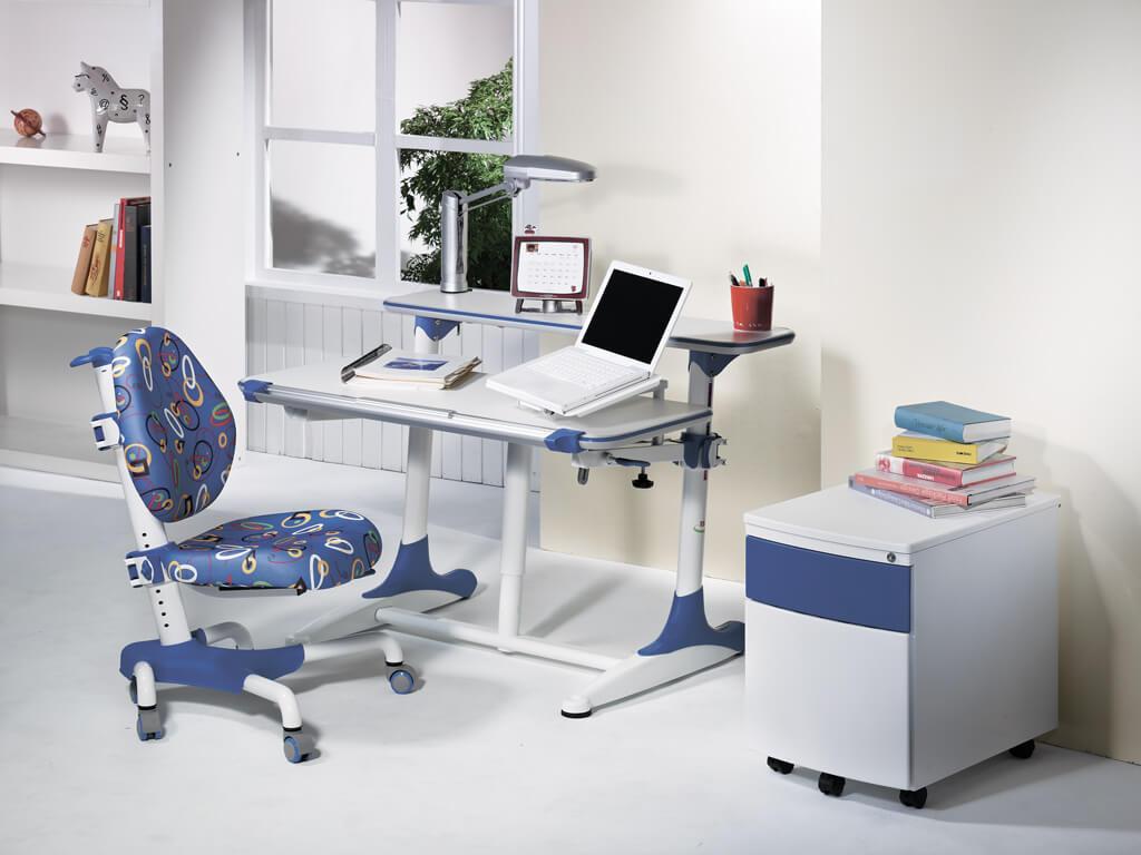 Детское компьютерное кресло для мальчика