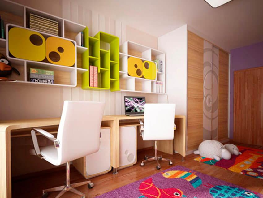 Детское компьютерное кресло белого цвета