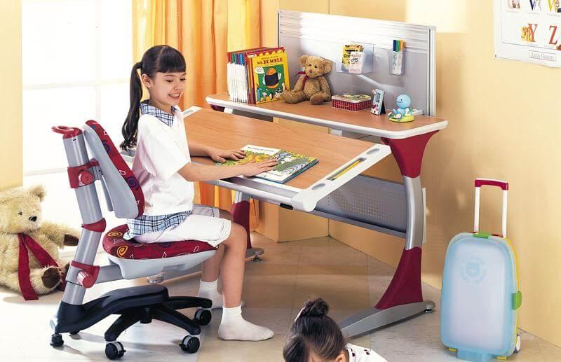Детское кресло для школьника