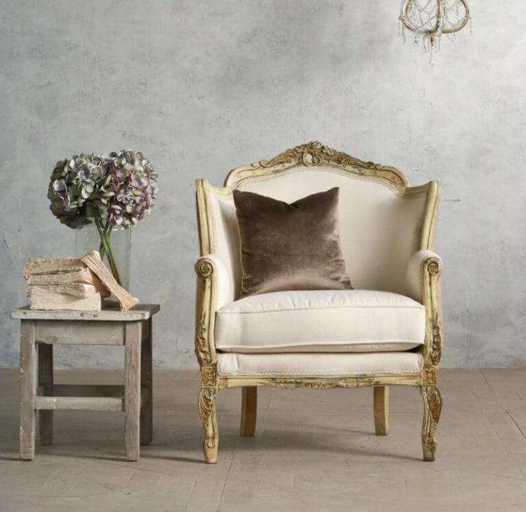 Фото классического кресла