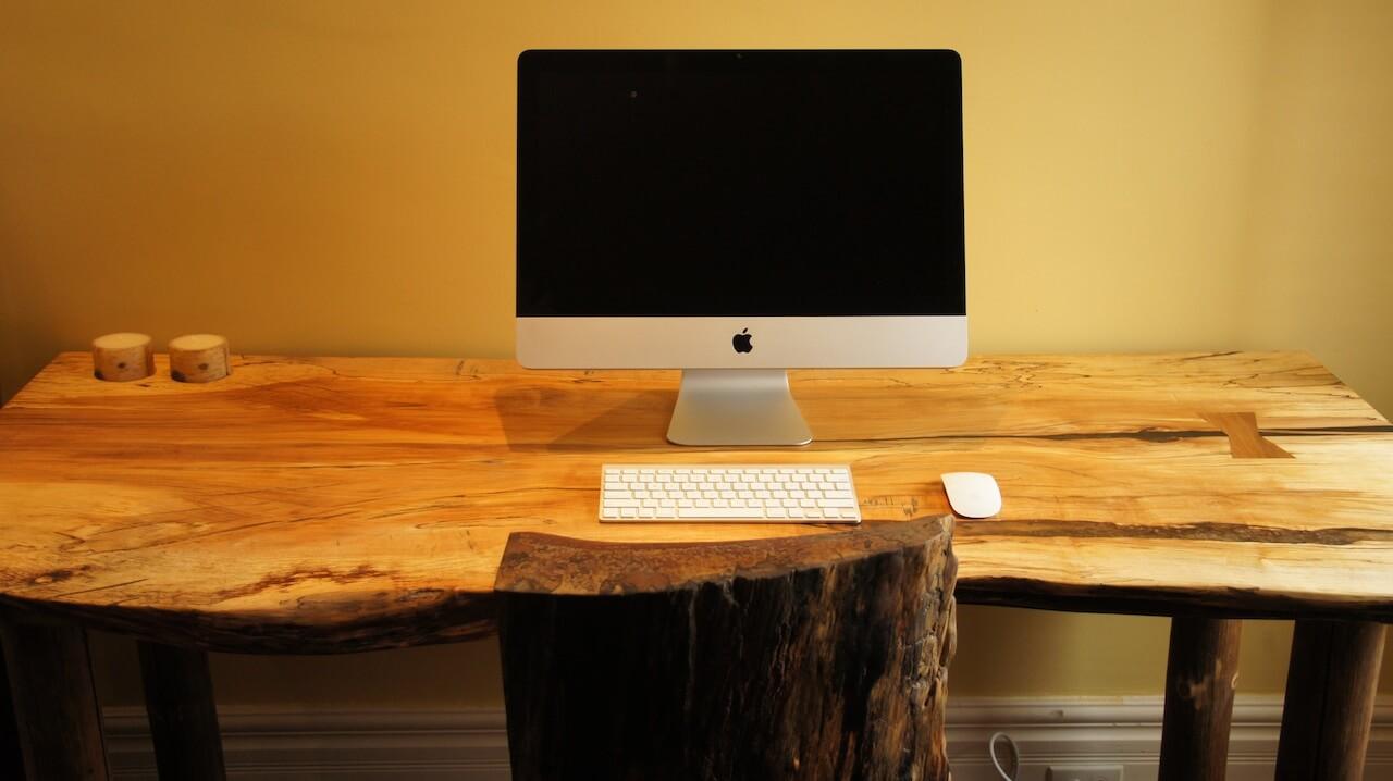 Фото компьютерного стола из дерева