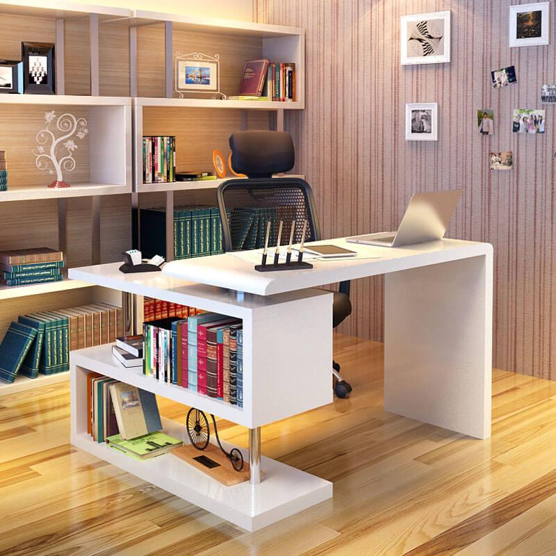 Компьютерный стол в кабинете