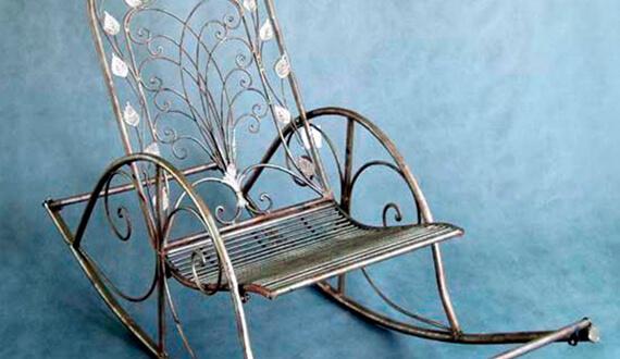 Фото металлического кресла качалки