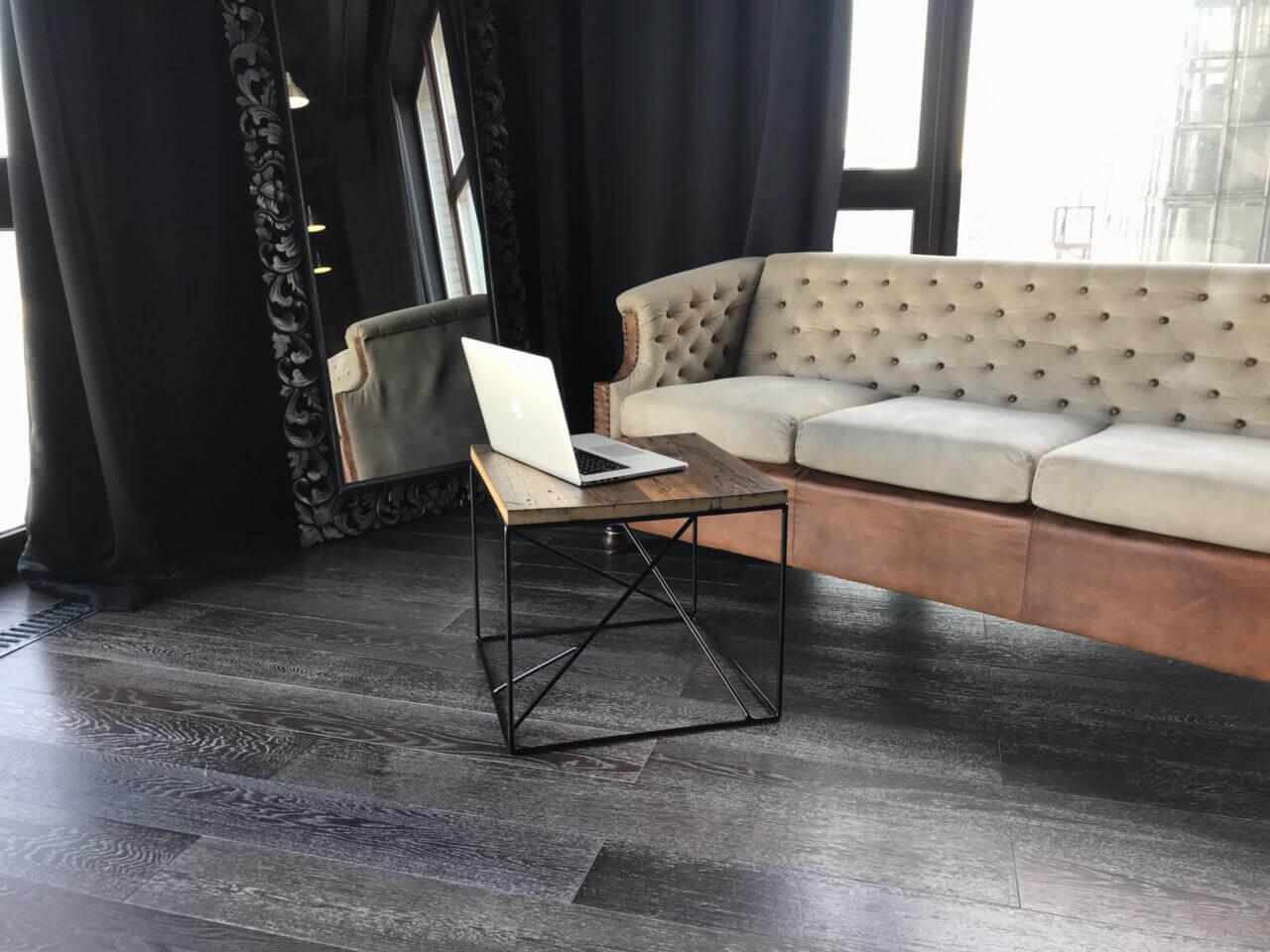 Журнальный стол Лофт на металлических ножках