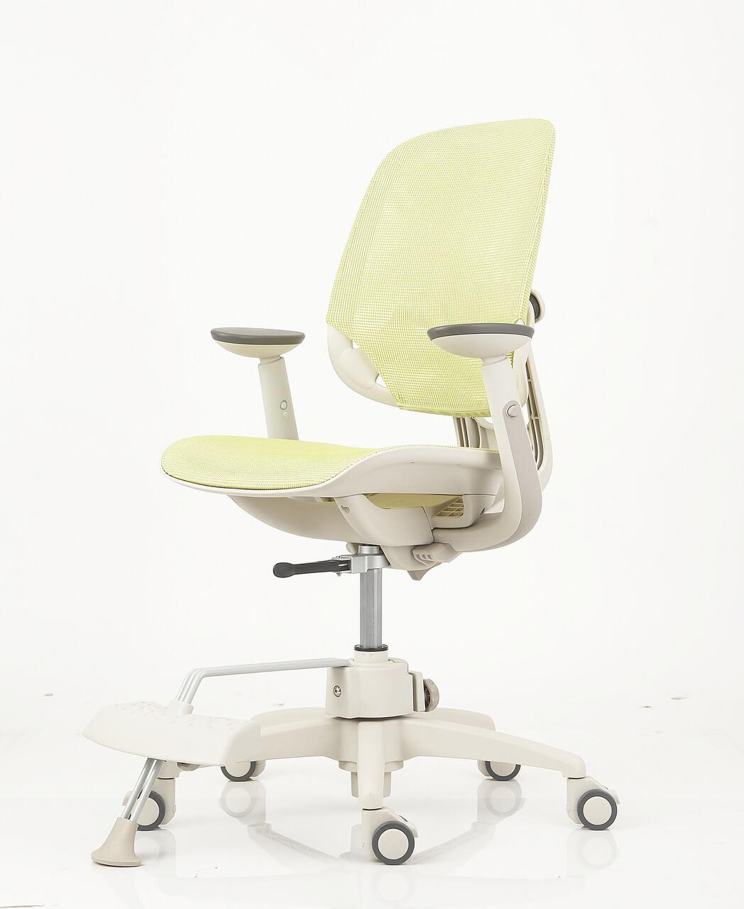 Детское ортопедическое кресло с подставкой для ног