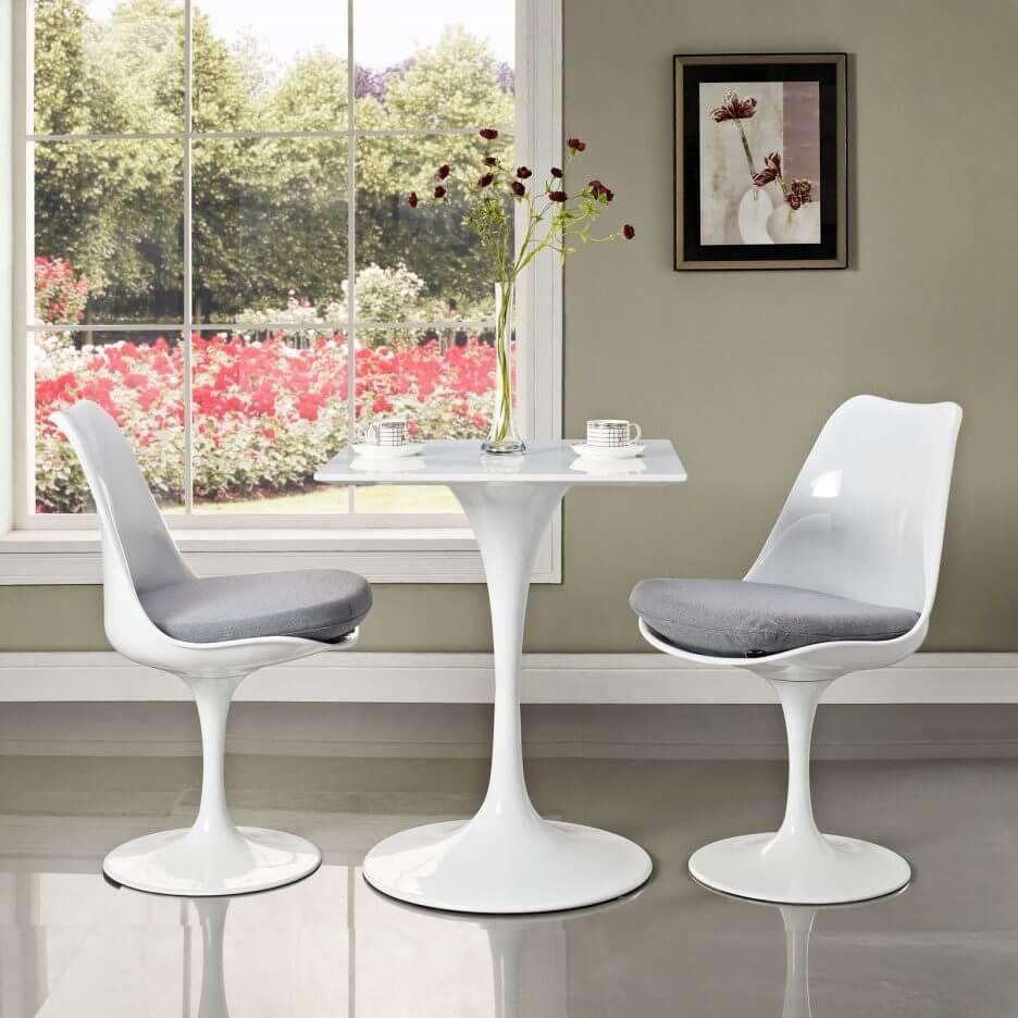 Кресла для кухни из белого пластика