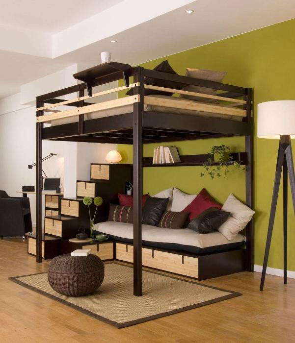 двухспальная кровать чердак