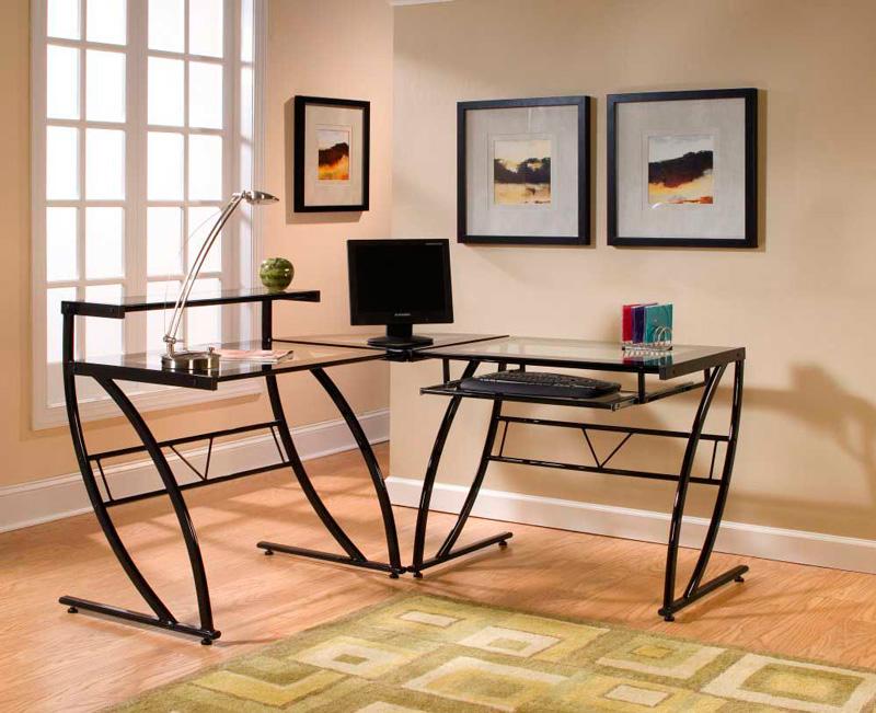 Угловой металлический компьютерный стол