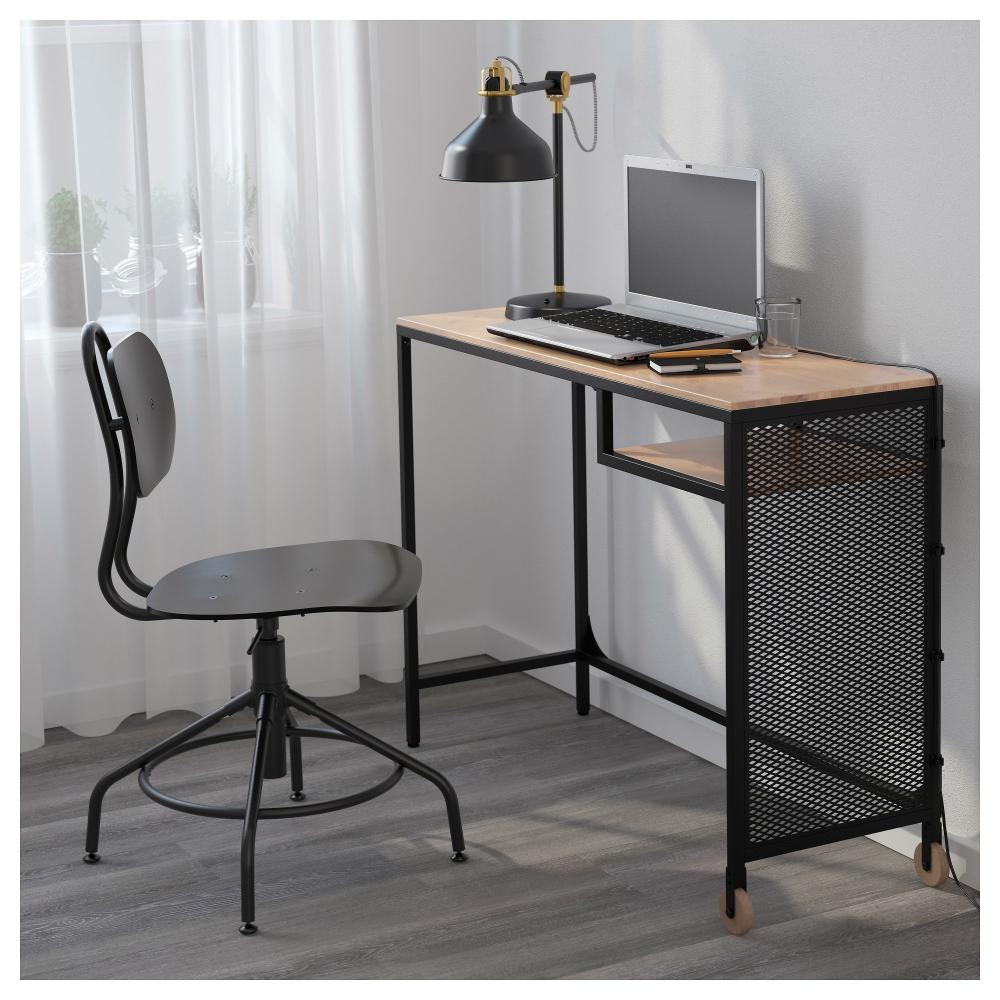 Фото компьютерного стола с металлическим основанием