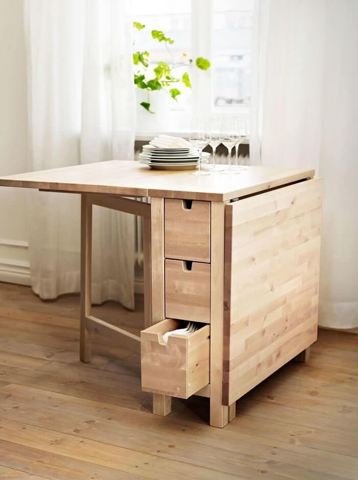 Раскладной кухонный стол из дерева