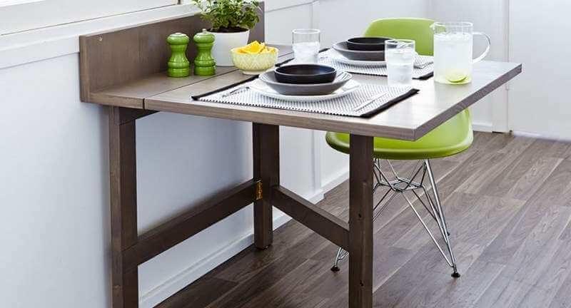 Раскладной стол для маленькой кухни у окна