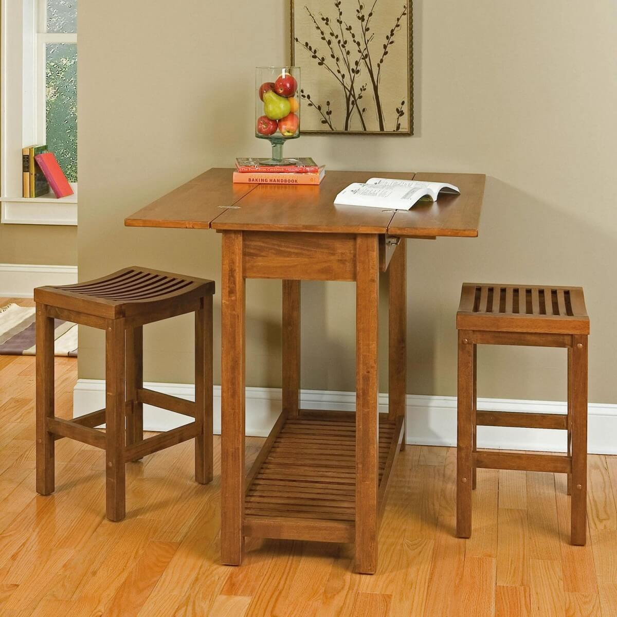 Деревянный раскладной стол для маленькой кухни