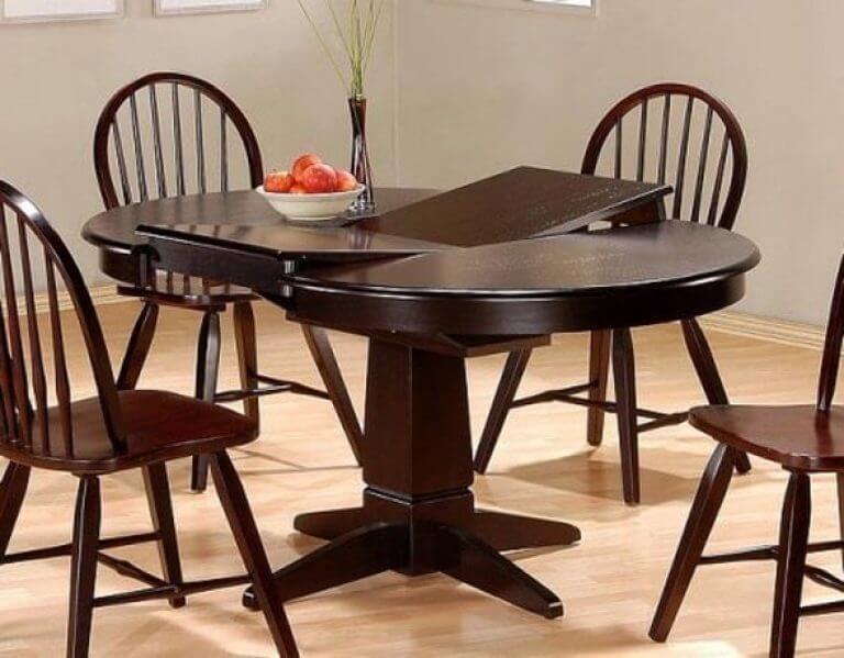 Раздвижной кухонный стол коричневого цвета