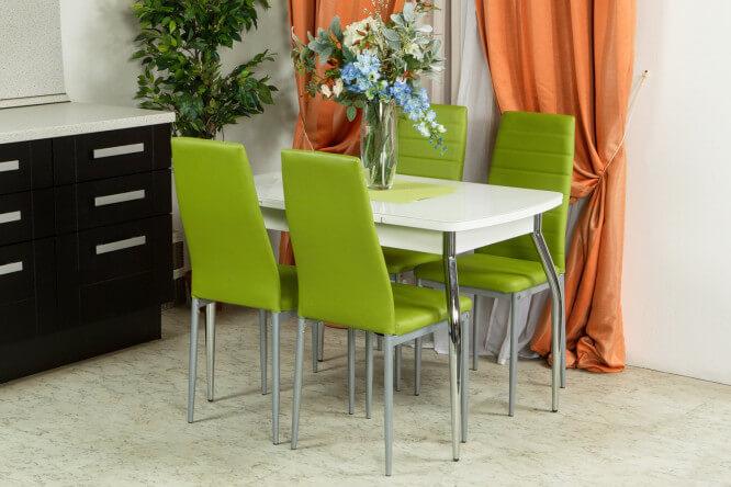 Белый раздвижной кухонный стол