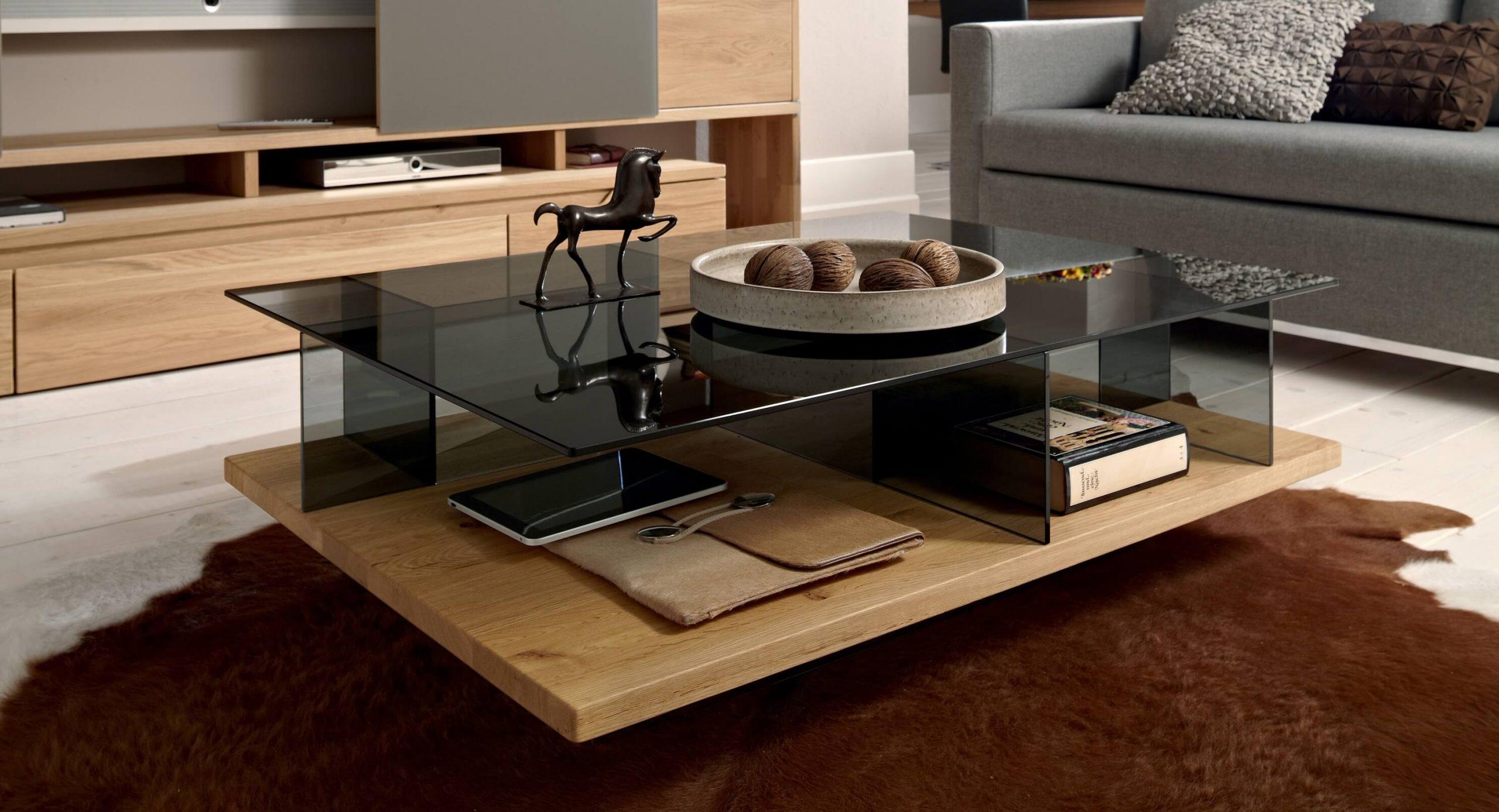 Современный журнальный стол со стеклянной столешницей