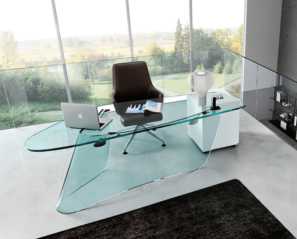 Фото стеклянного компьютерного стола