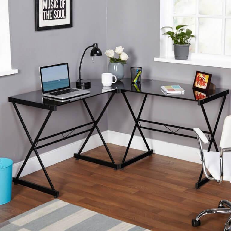 Стеклянный угловой компьютерный стол черного цвета
