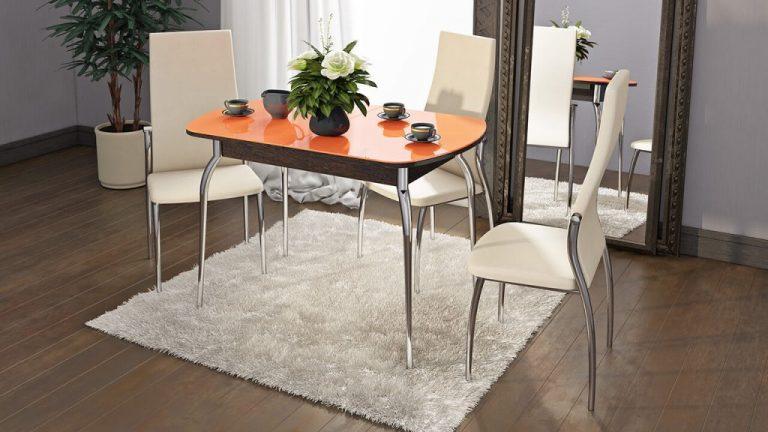 Стеклянный кухонный стол с оранжевой столешницей
