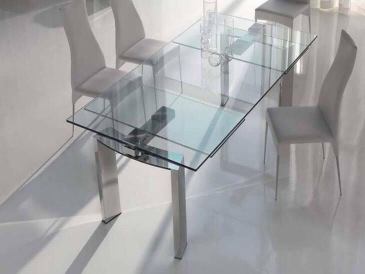 Кухонный стол со стеклянной столешницей