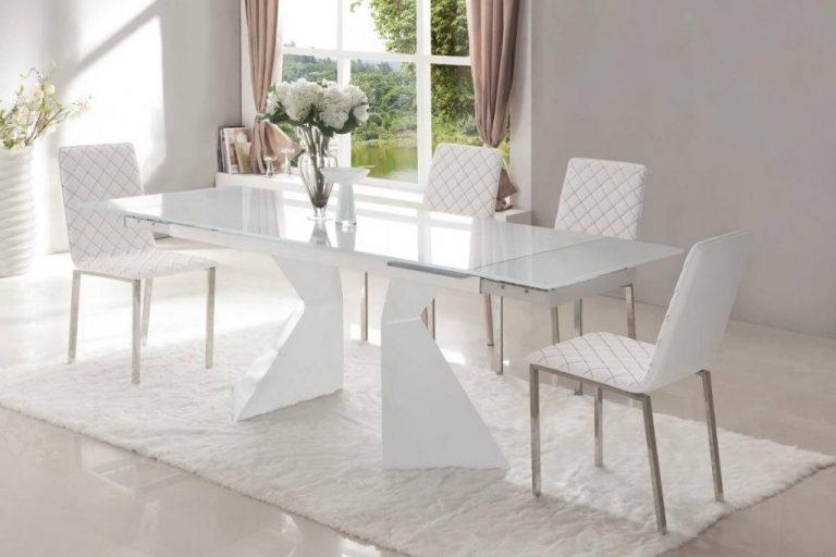 Стеклянный кухонный стол белого цвета