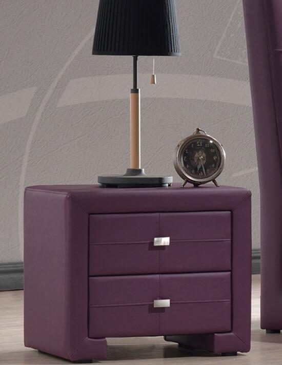 Прикроватная тумба из кожи фиолетового цвета