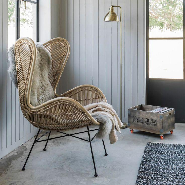 Фото плетенного кресла из ротанга