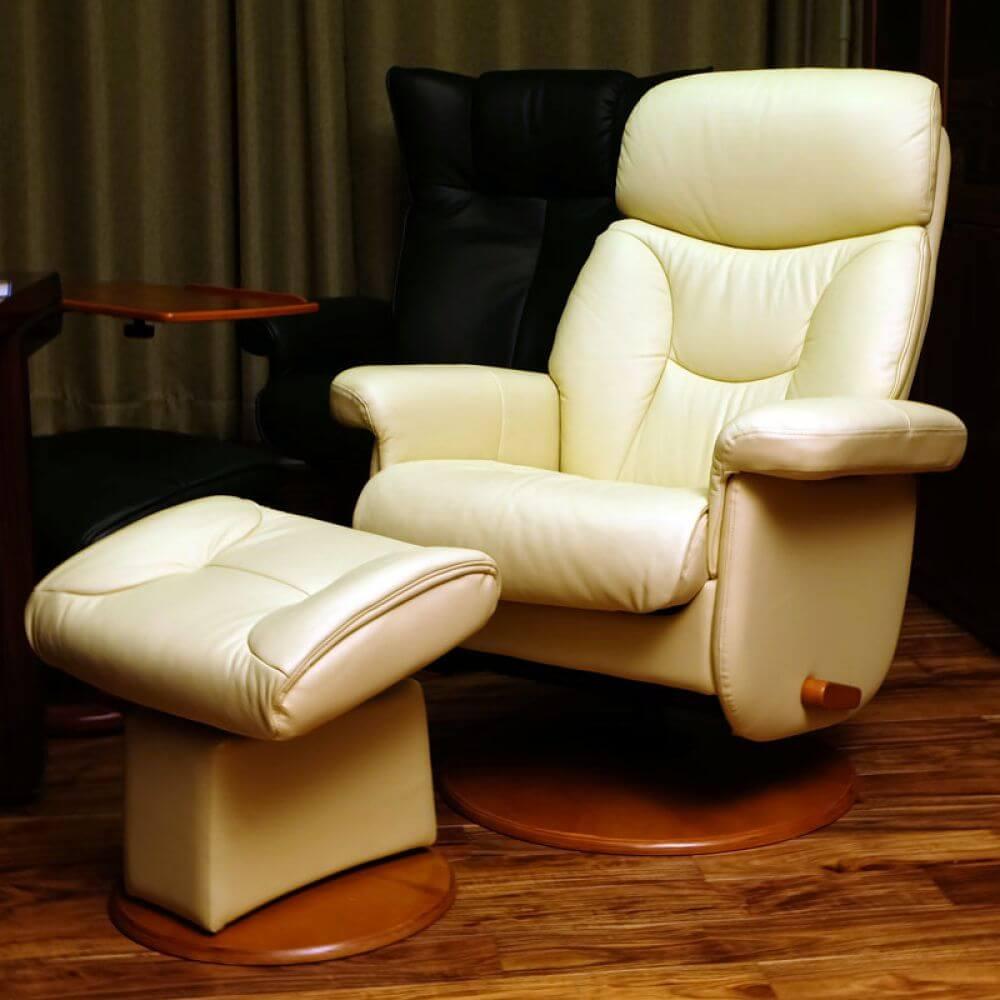 Кресло реклайнер бежевого цвета