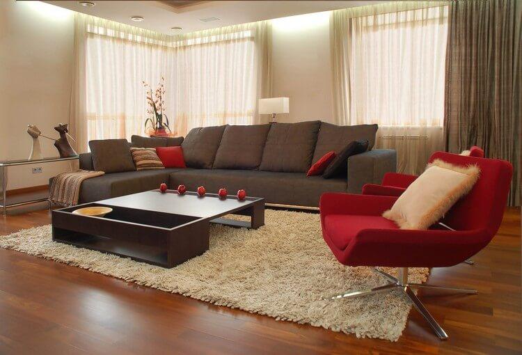 Фото красного кресла в гостиной