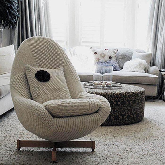Серое кресло в гостиную