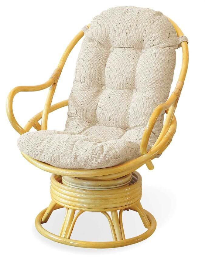 Вращающееся кресло из ротанга