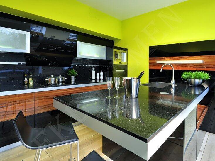 Каменный кухонный стол