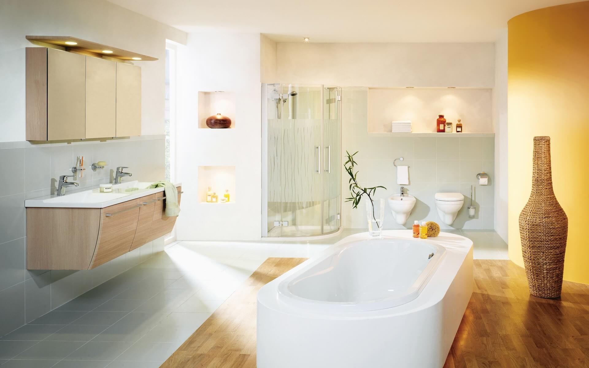 Навесная тумбочка с мебельной раковиной в ванную
