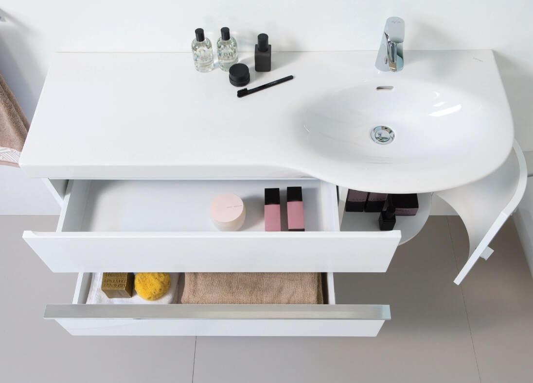 Тумба с раковиной в ванную белого цвета