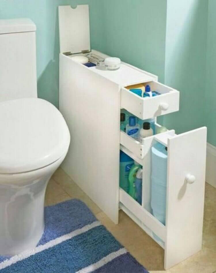 Узкая тумба в туалет белого цвета