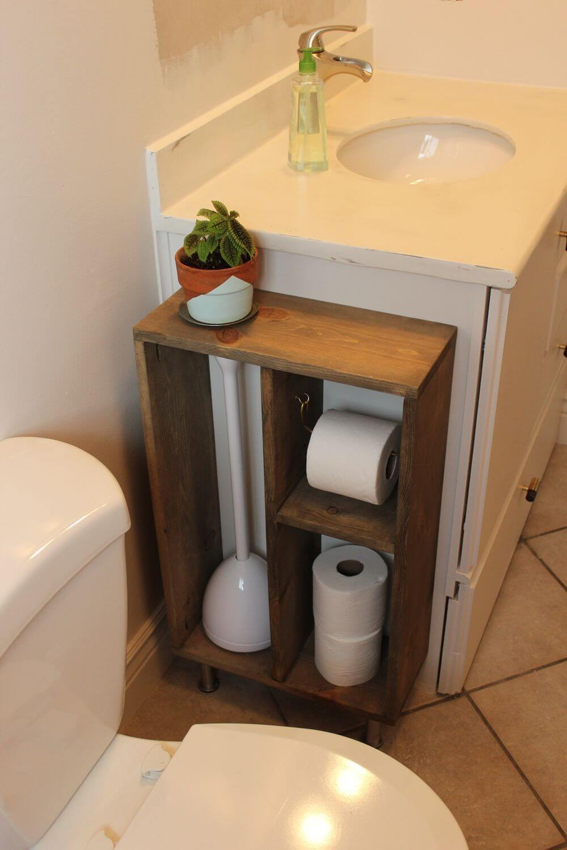 Узкая тумба в туалет с открытым фасадом