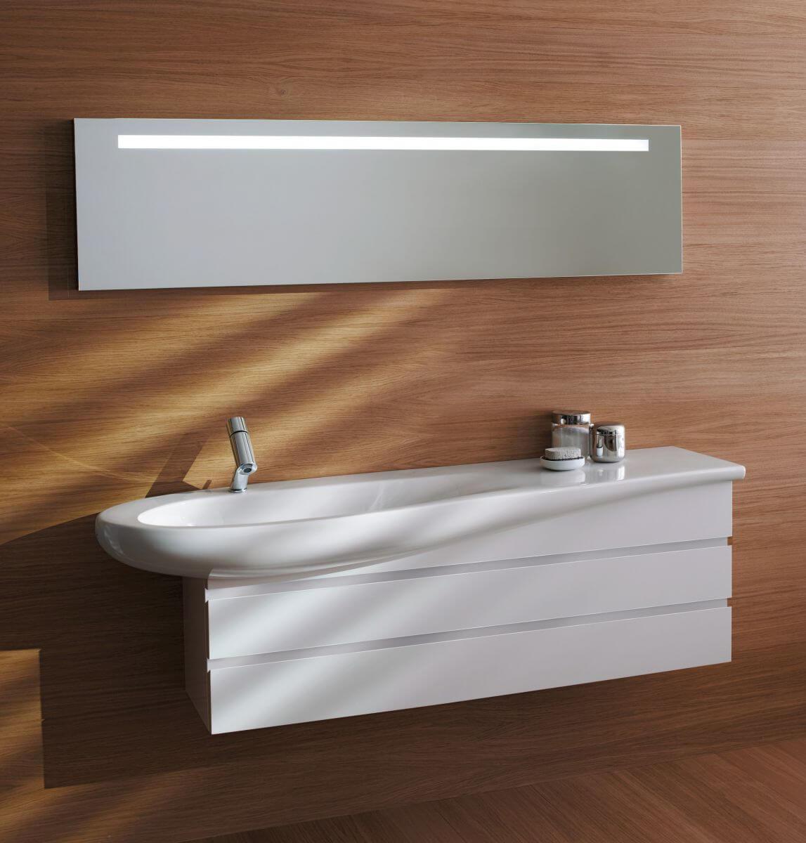 Тумба в ванную комнату со столешницей белого цвета