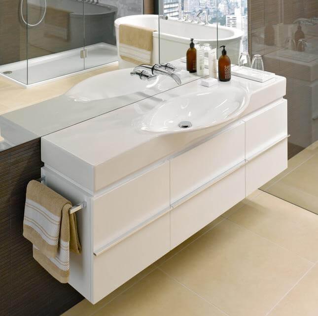 Фото тумбы в ванную комнату со столешницей белого цвета