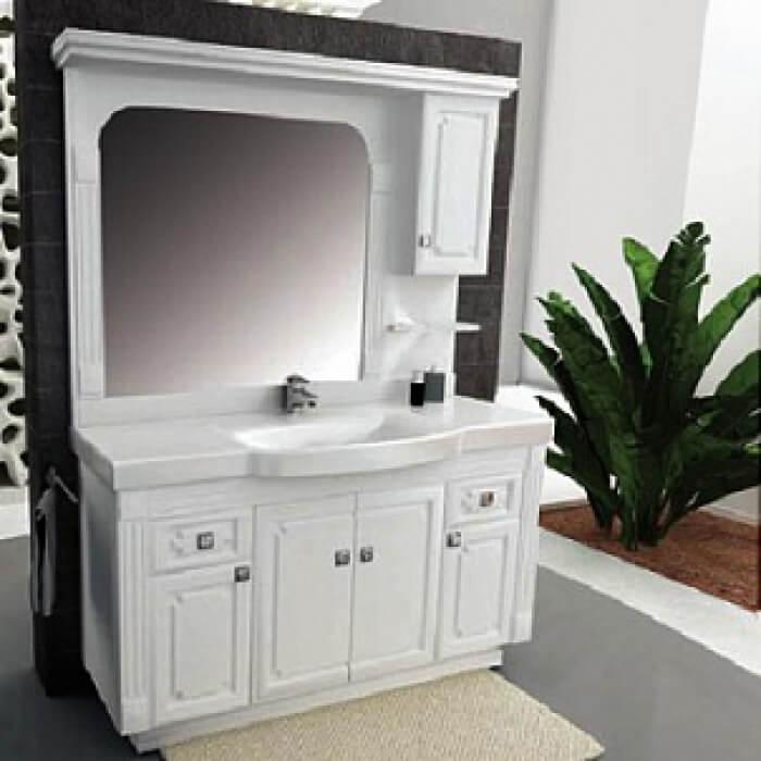 Белая тумба в ванную с зеркалом