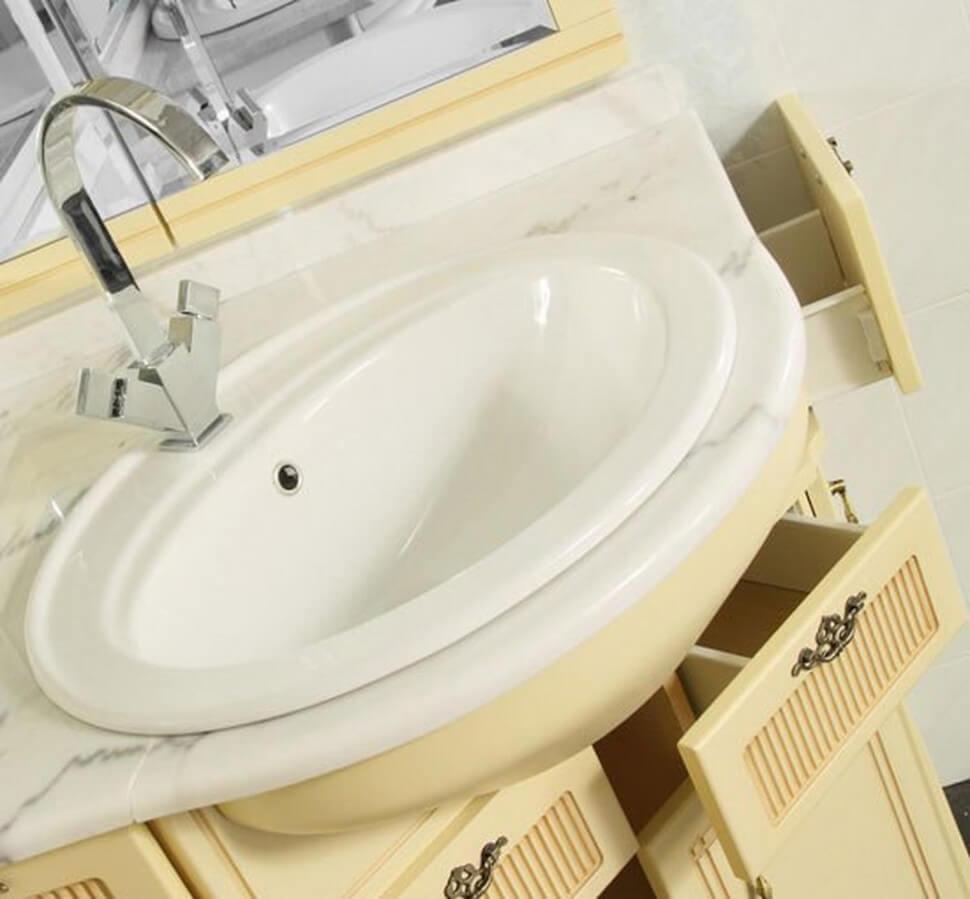 Угловая тумба в ванную с выдвижными ящиками