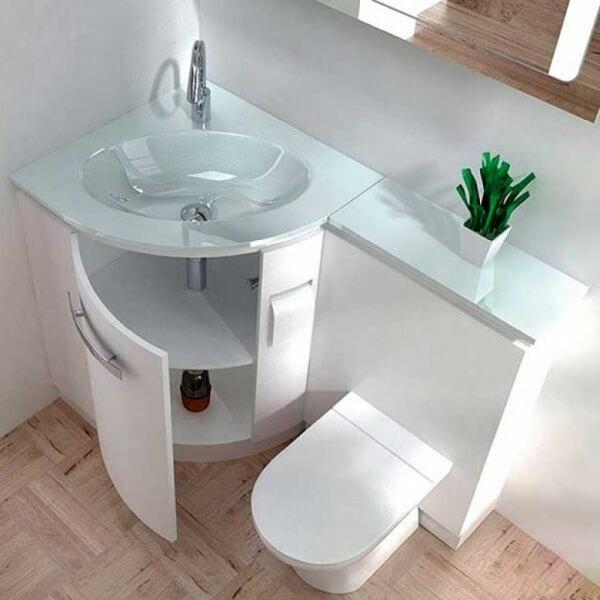 Угловая тумба в ванную белого цвета