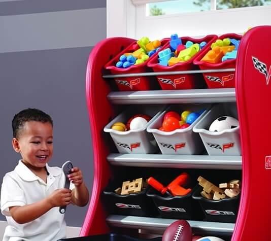Комод для игрушек красного цвета