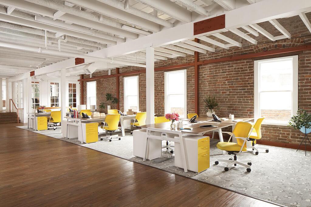 Офисная тумба желтого цвета