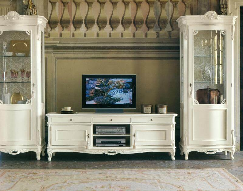 Комод под телевизор белого цвета