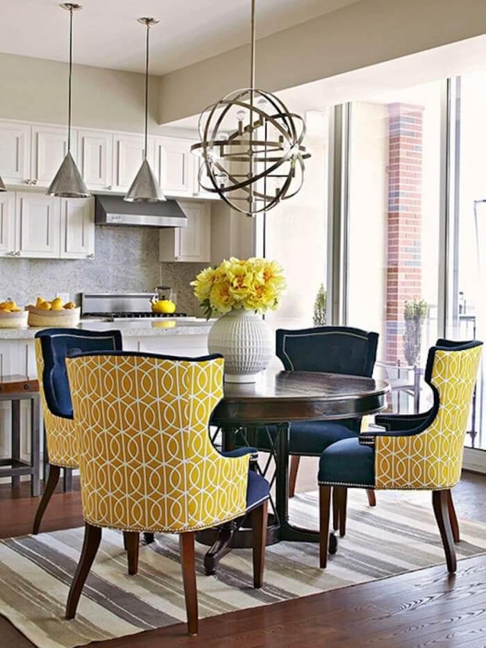 Мягкие стулья для кухни желтого цвета