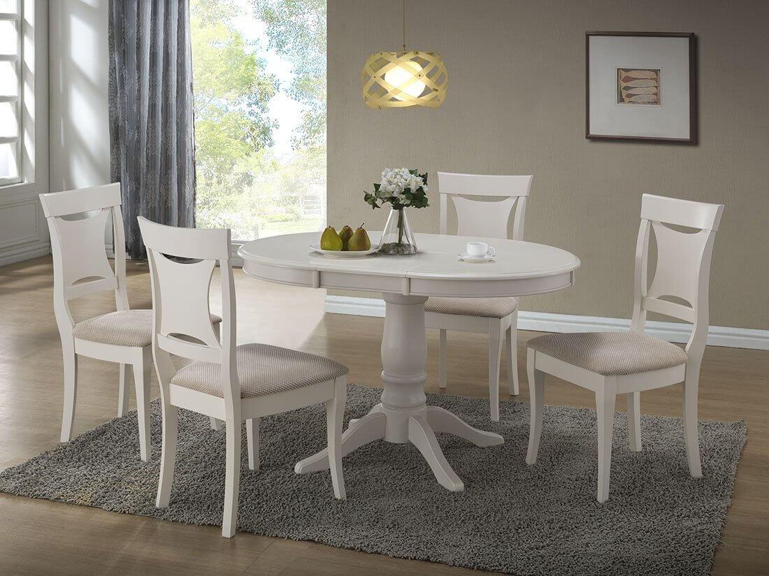 Обеденные стулья белого цвета