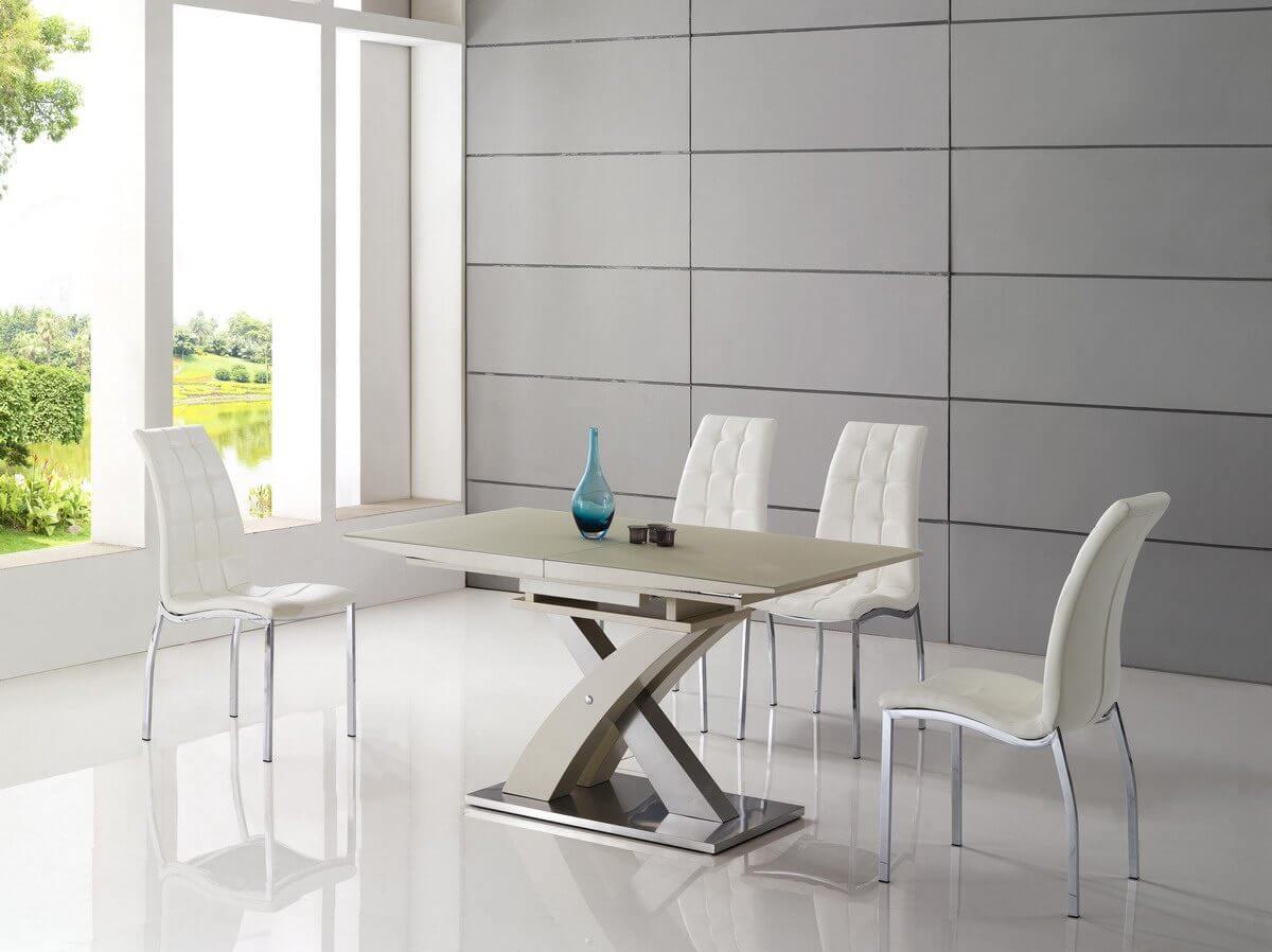 Белые кухонные стулья в современном стиле