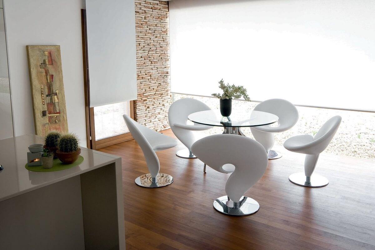 Современные стулья белого цвета